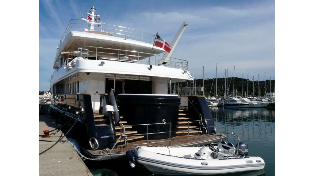 Ocean Explorer 33 m-Motor Yacht-master