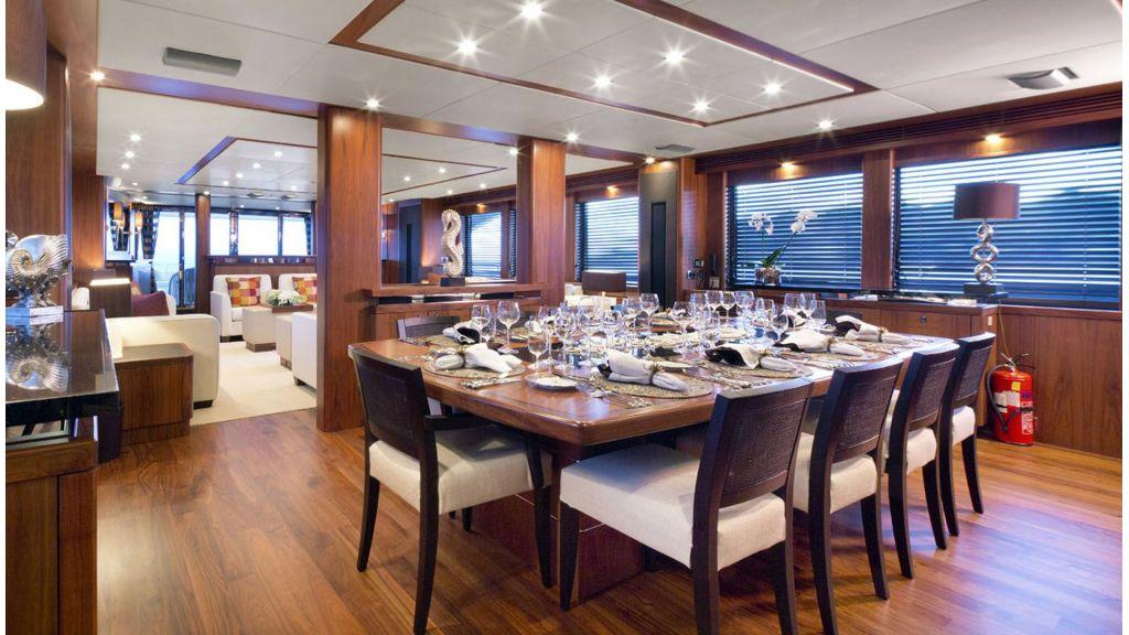 Sunseeker 37 M Motor Yacht (5)