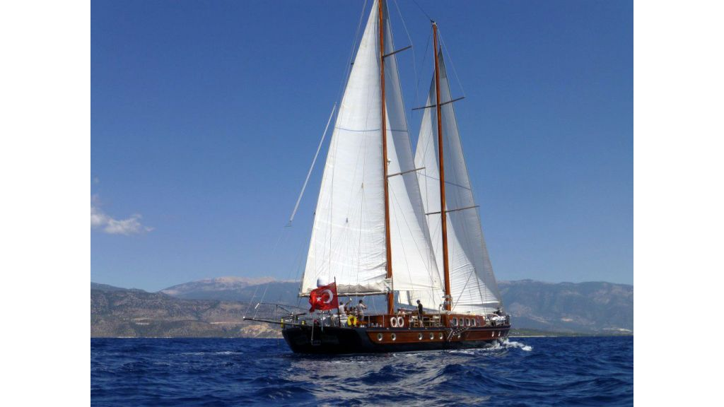 26-m-steel-motor-sailor-yacht (1)