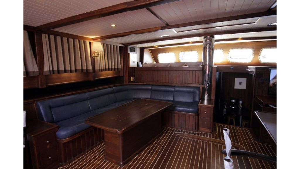 26-m-steel-motor-sailor-yacht (10)