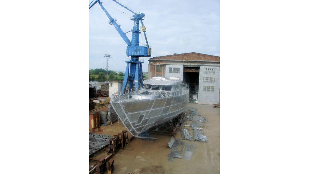 aluminium-hull-motorsailer-12