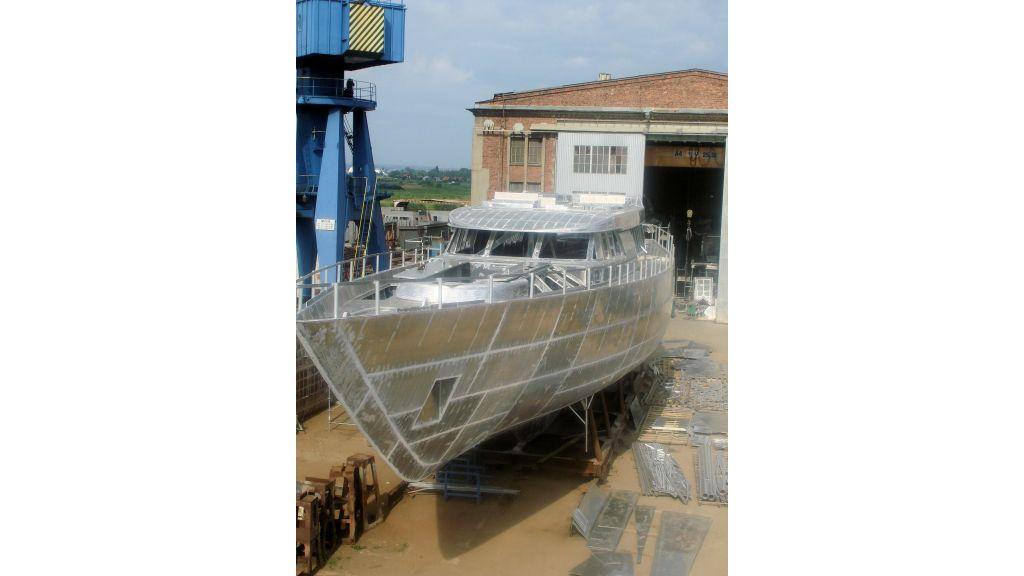 aluminium-hull-motorsailer-9