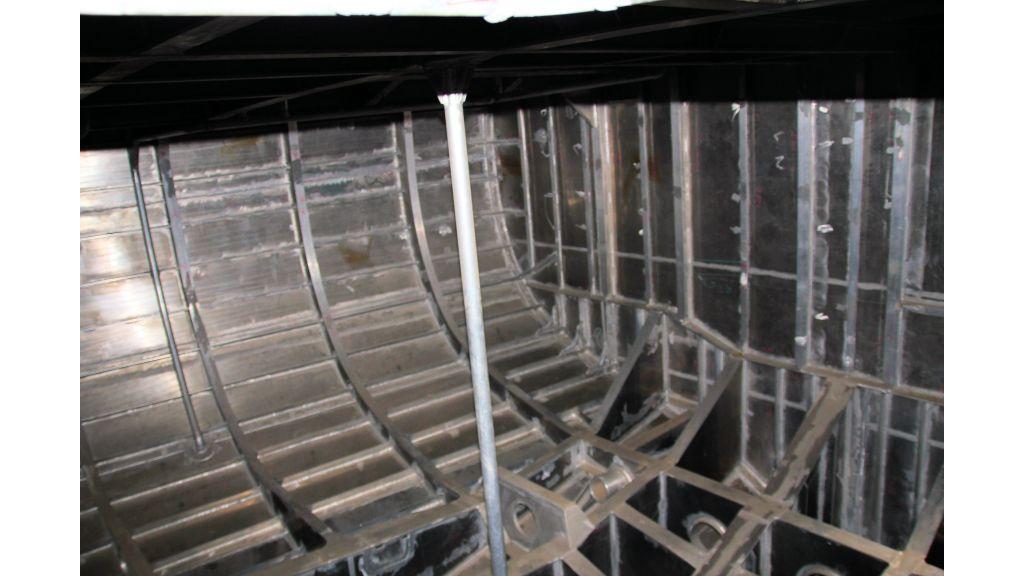 aluminium-hull-motorsailer-inner-10