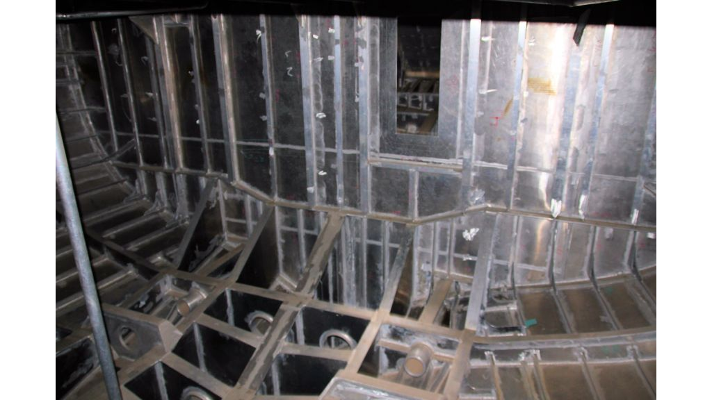 aluminium-hull-motorsailer-inner-11