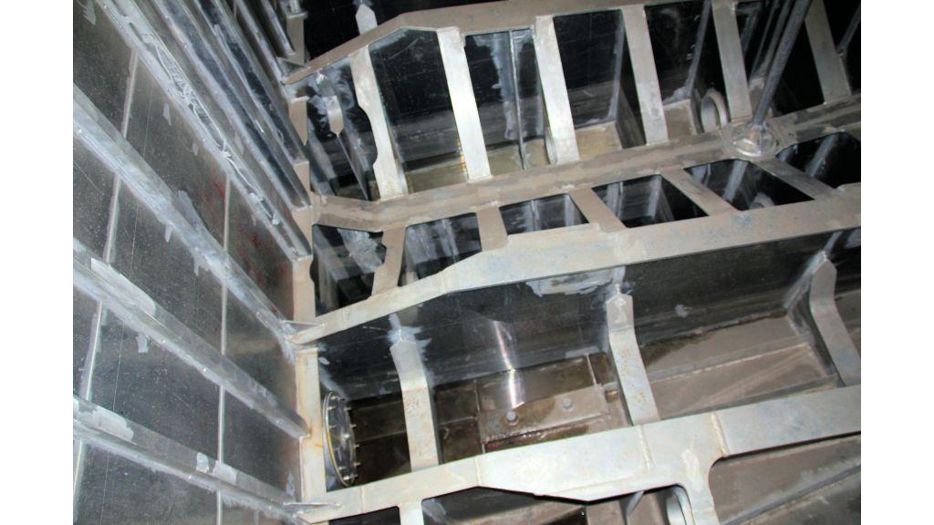 aluminium-hull-motorsailer-inner-12