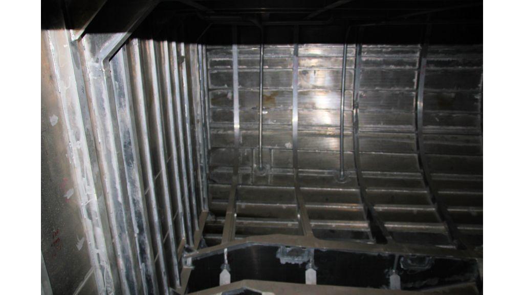 aluminium-hull-motorsailer-inner-13