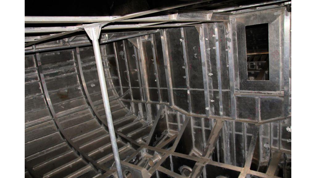 aluminium-hull-motorsailer-inner-15