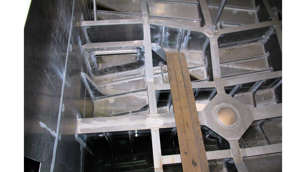 aluminium-hull-motorsailer-inner-16