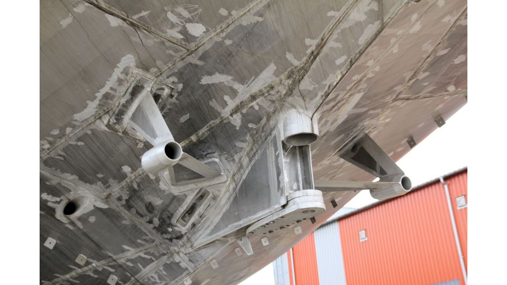 aluminium-hull-motorsailer-inner-19