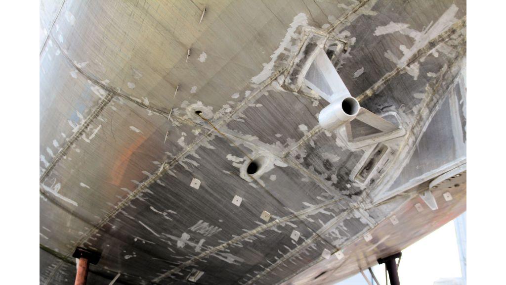 aluminium-hull-motorsailer-inner-20