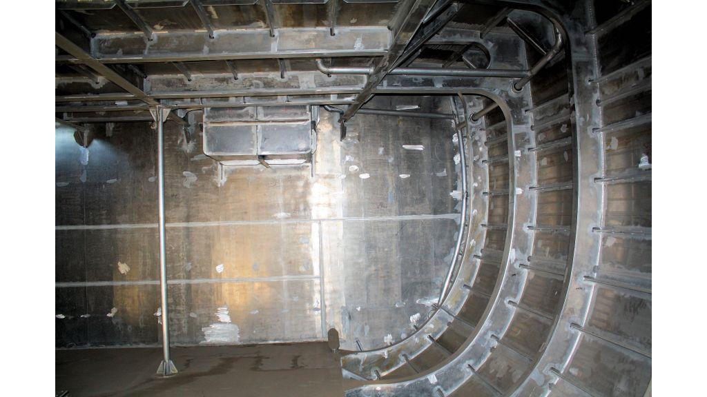 aluminium-hull-motorsailer-inner-26