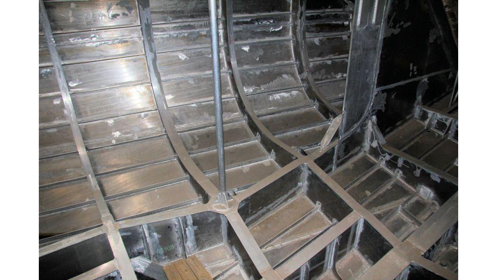 aluminium-hull-motorsailer-inner-30