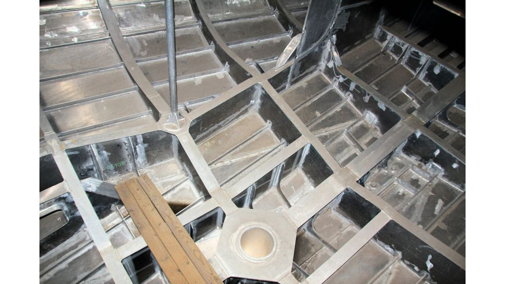aluminium-hull-motorsailer-inner-33