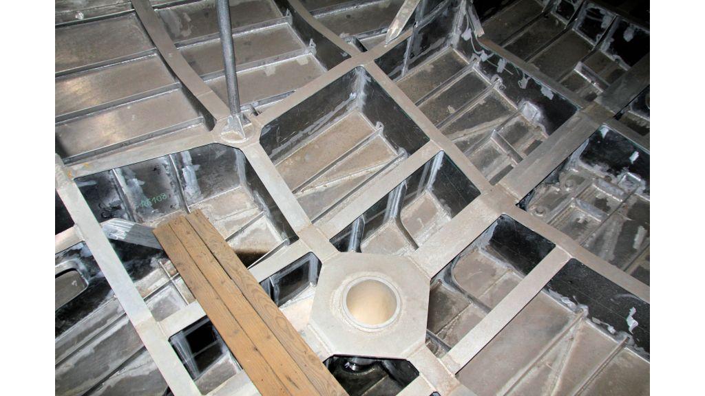 aluminium-hull-motorsailer-inner-34