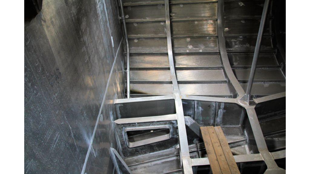 aluminium-hull-motorsailer-inner-35