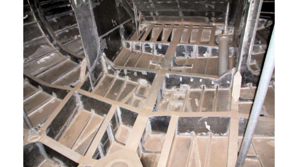 aluminium-hull-motorsailer-inner-38