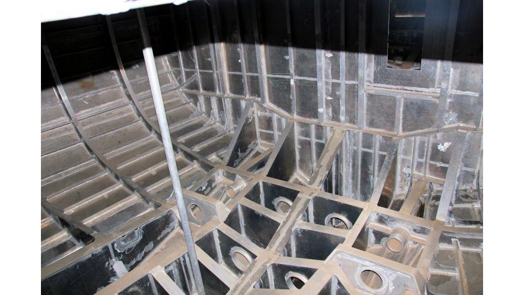 aluminium-hull-motorsailer-inner-4