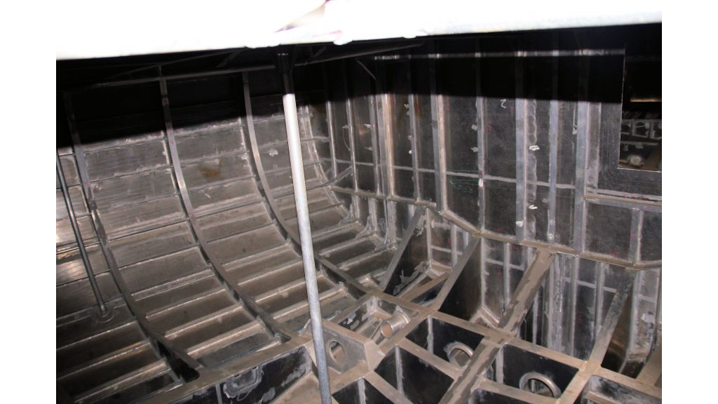 aluminium-hull-motorsailer-inner-7
