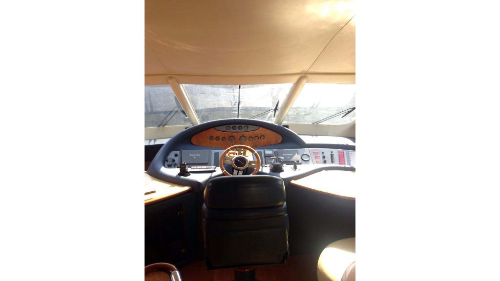Azimut 62 motor yacht for sale  (10)