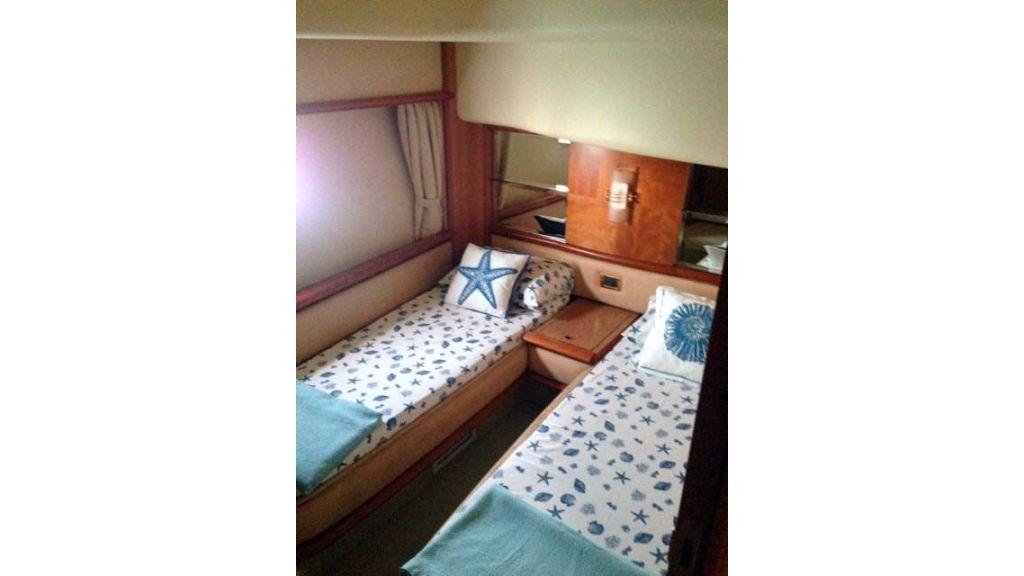 Azimut 62 motor yacht for sale  (16)