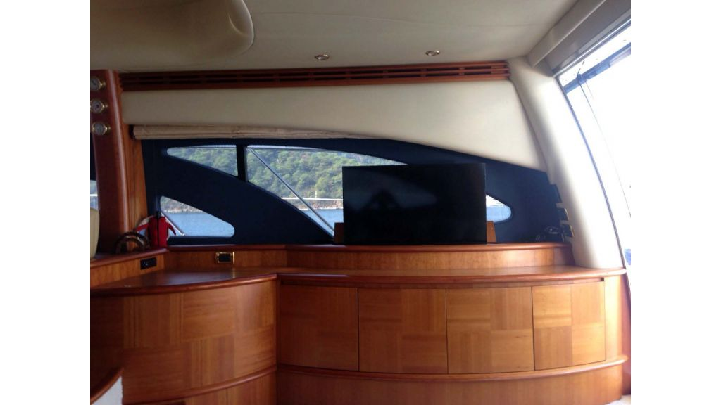 Azimut 62 motor yacht for sale  (19)