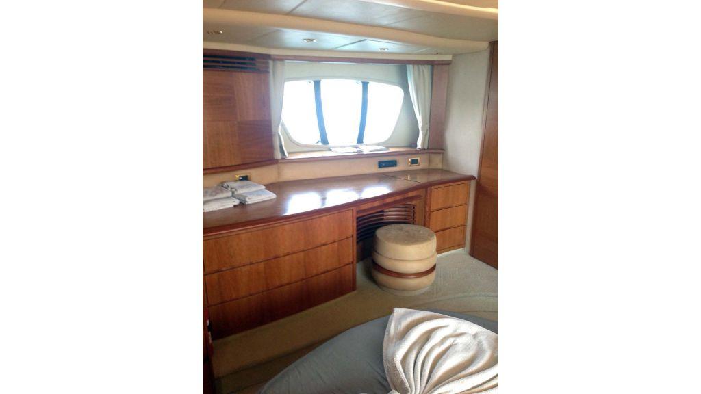 Azimut 62 motor yacht for sale  (23)