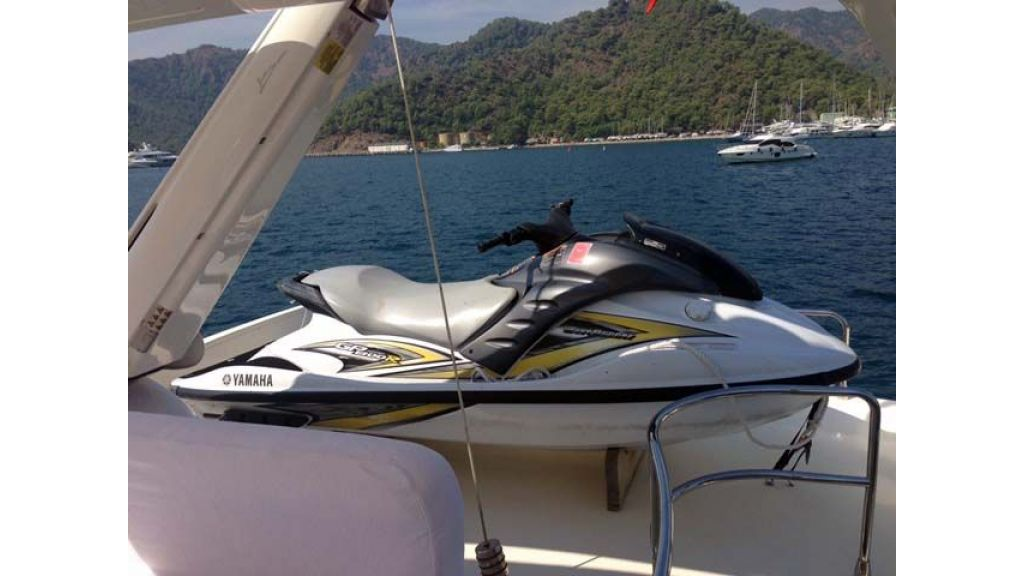 Azimut 62 motor yacht for sale  (24)