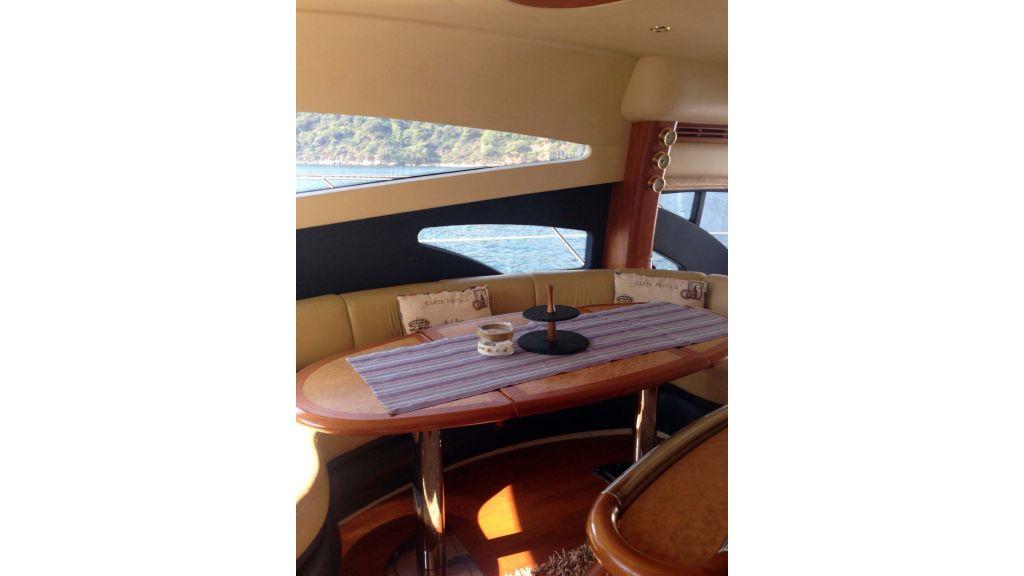 Azimut 62 motor yacht for sale  (6)