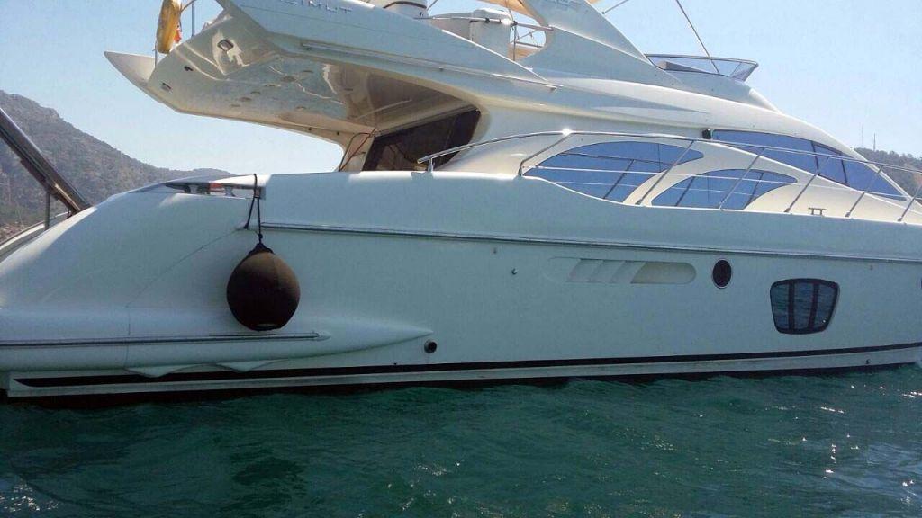 Azimut 62 motor yacht for sale-master