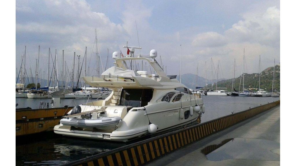 Azimut 62-motor yacht for sale master