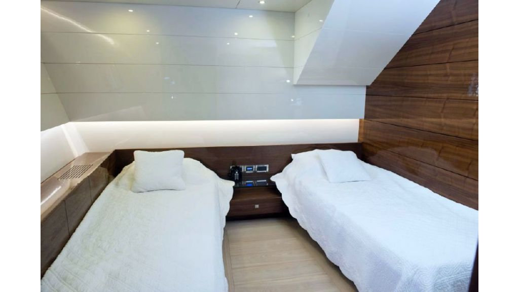 Custom Designe Sailing Yacht (11)