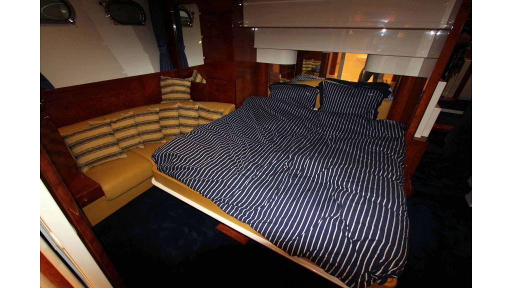 ladenstein-2100-motor-yacht (10)