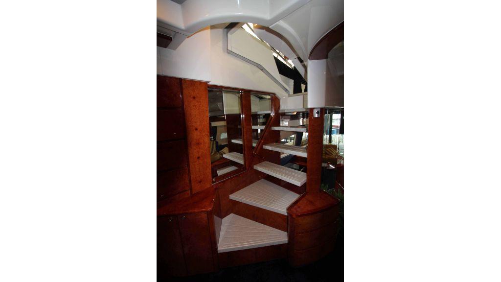 ladenstein-2100-motor-yacht (15)