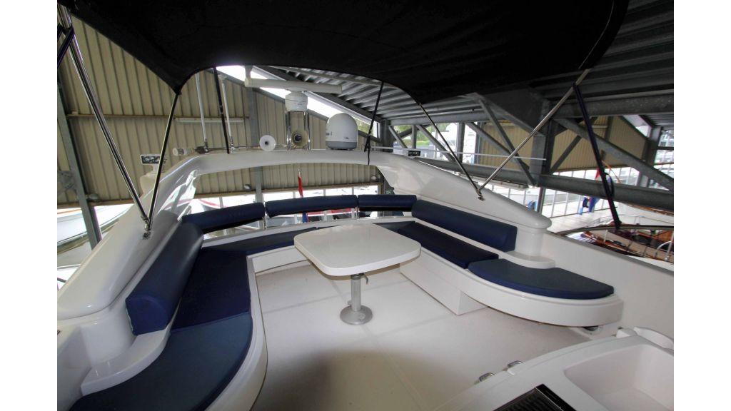 ladenstein-2100-motor-yacht (19)