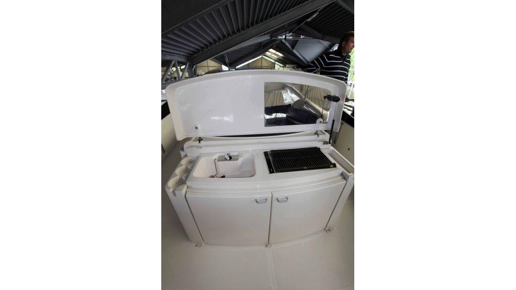 ladenstein-2100-motor-yacht (20)