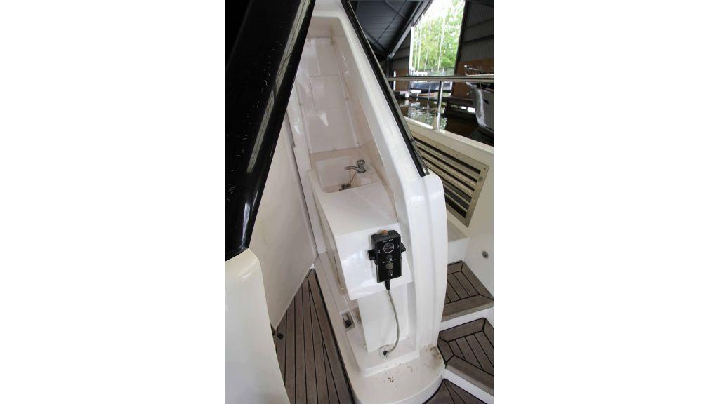 ladenstein-2100-motor-yacht (24)