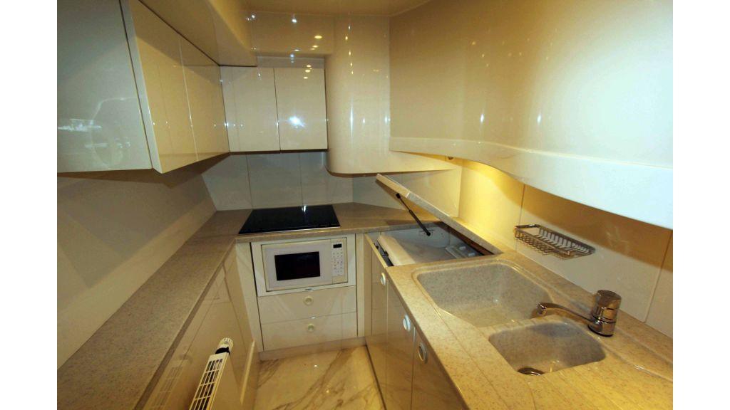 ladenstein-2100-motor-yacht (26)