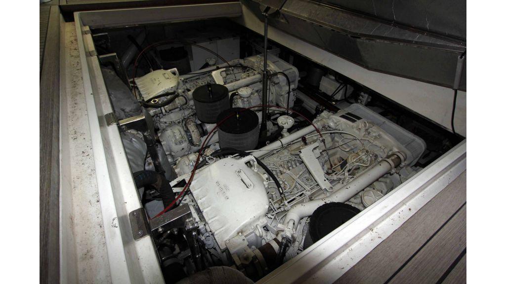 ladenstein-2100-motor-yacht (30)