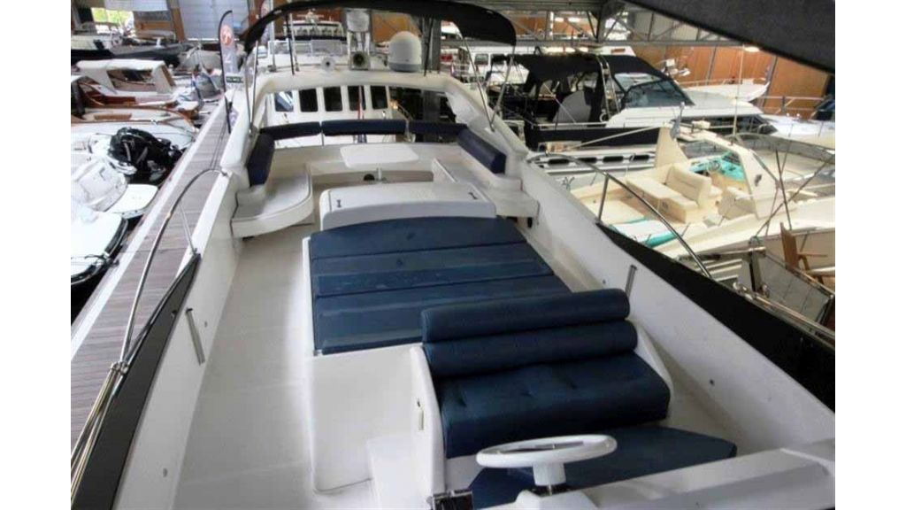 ladenstein-2100-motor-yacht (31)