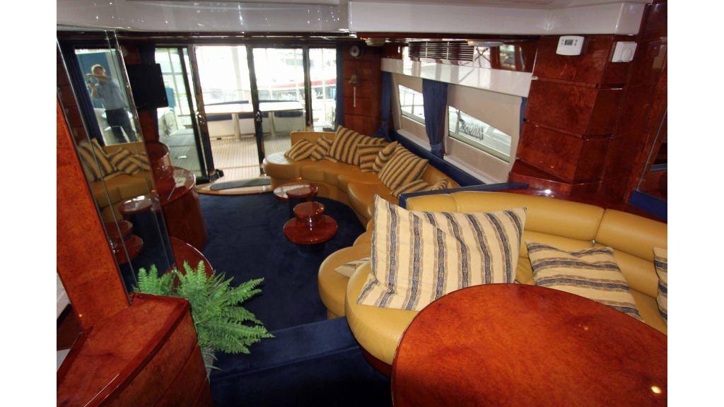 ladenstein-2100-motor-yacht (5)
