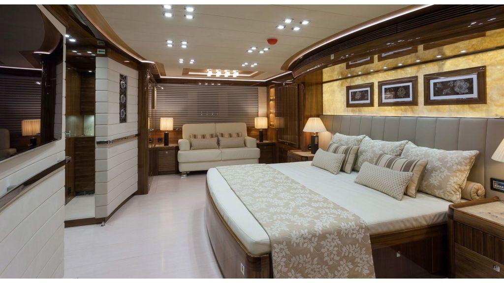 Sailing Yacht-Conrad master