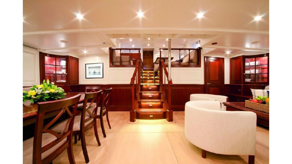 Super Sailing Yacht for sale (10)