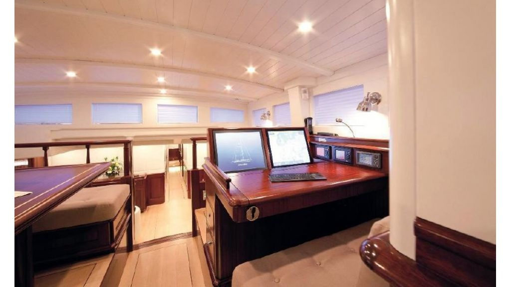 Super Sailing Yacht for sale (11)