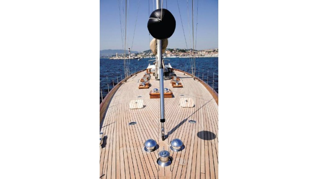Super Sailing Yacht for sale (17)