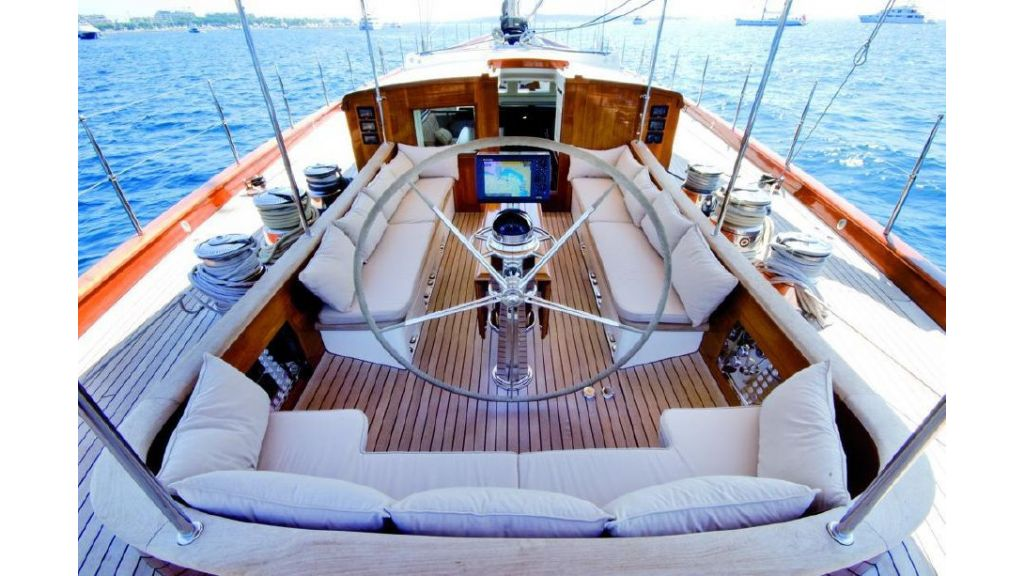 Super Sailing Yacht for sale (8)