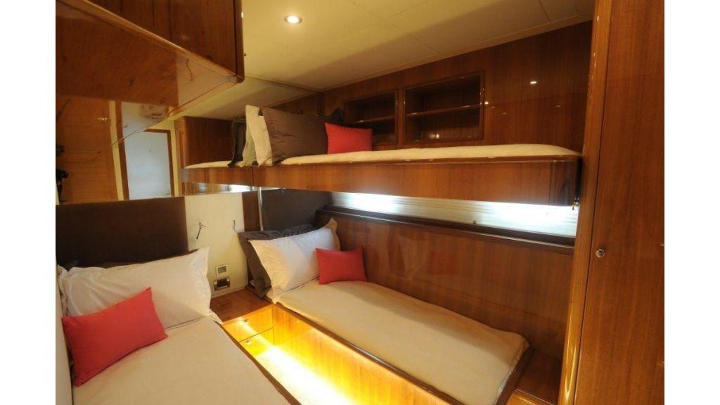 22 M 4 Cabins Trawler (12)