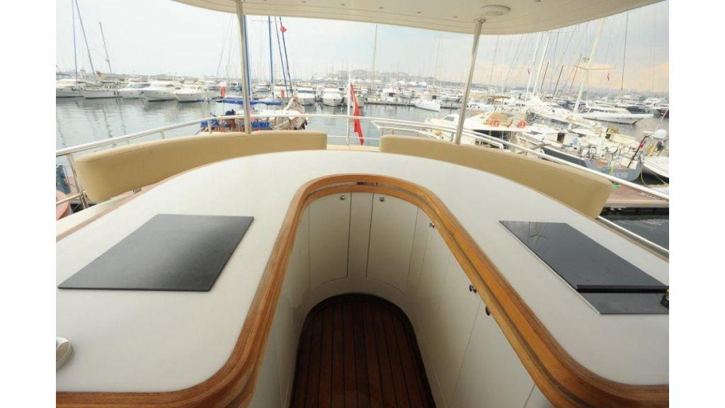22 M 4 Cabins Trawler (17)