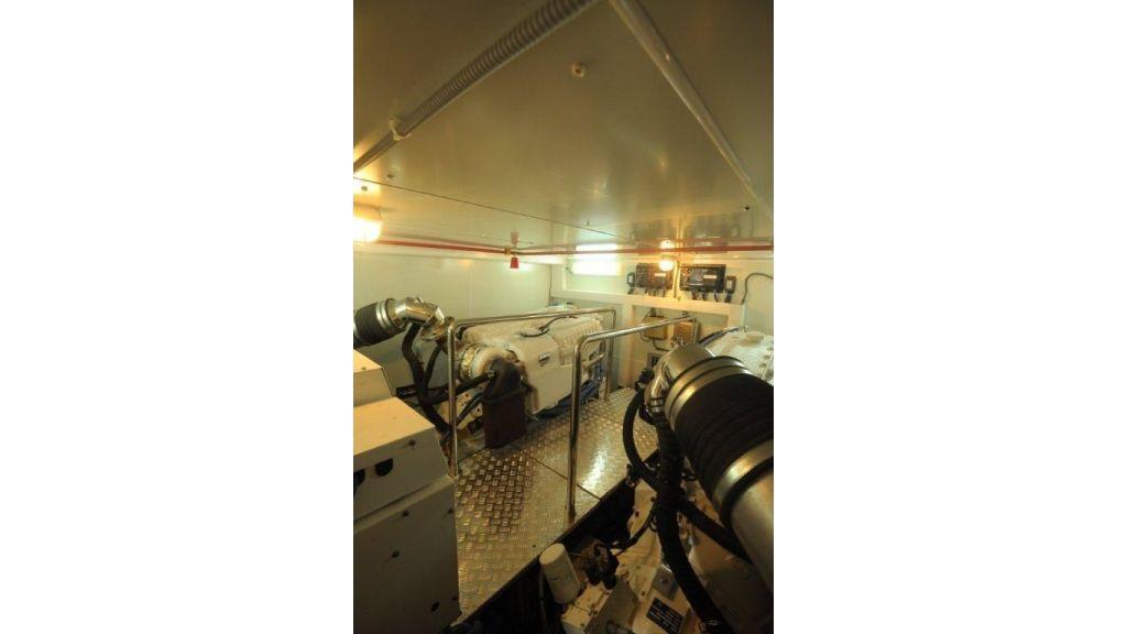 22 M 4 Cabins Trawler (21)