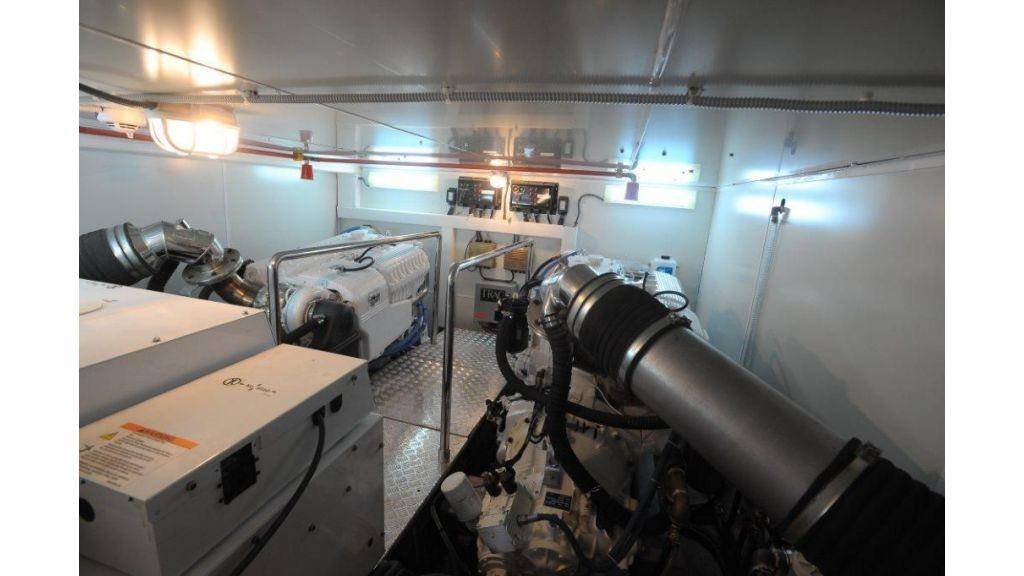 22 M 4 Cabins Trawler (23)