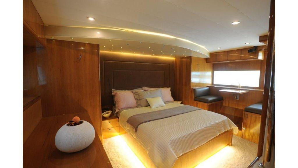22 M 4 Cabins Trawler (8)